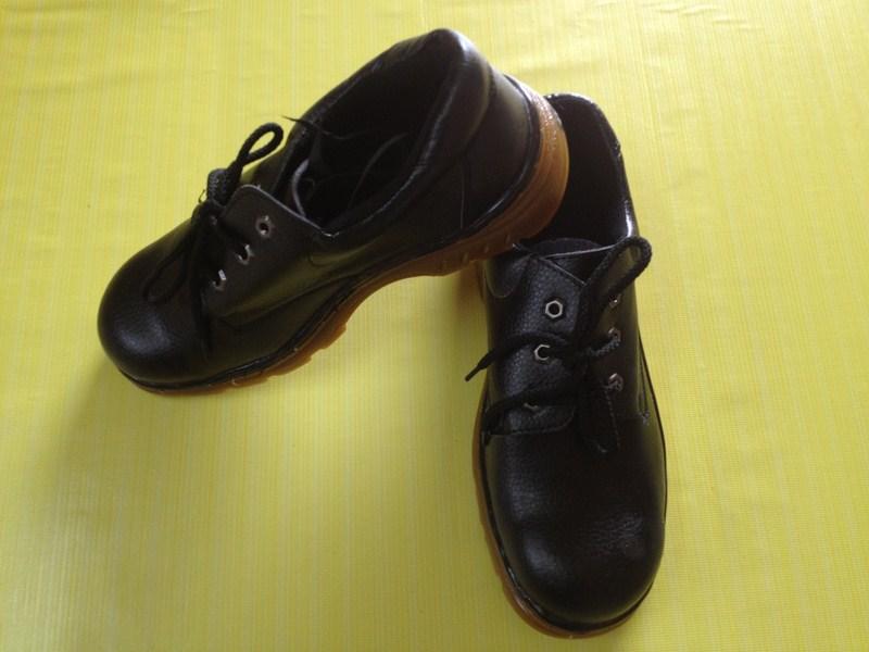 Giày da mũi sắt đế chống dầu ABC đế kếp CH9