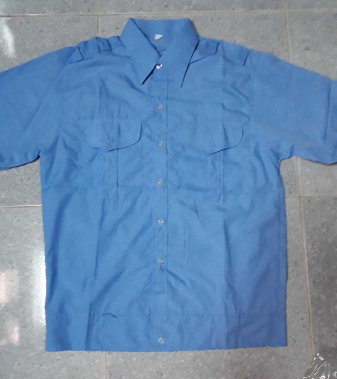 áo bảo vệ có bo xanh